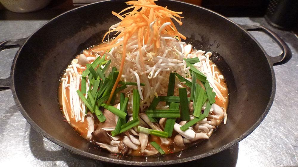 キムチとうふ野菜の辛い鍋